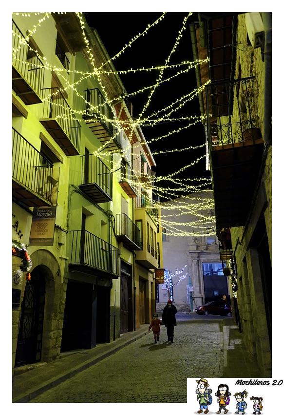 calle iluminada morella