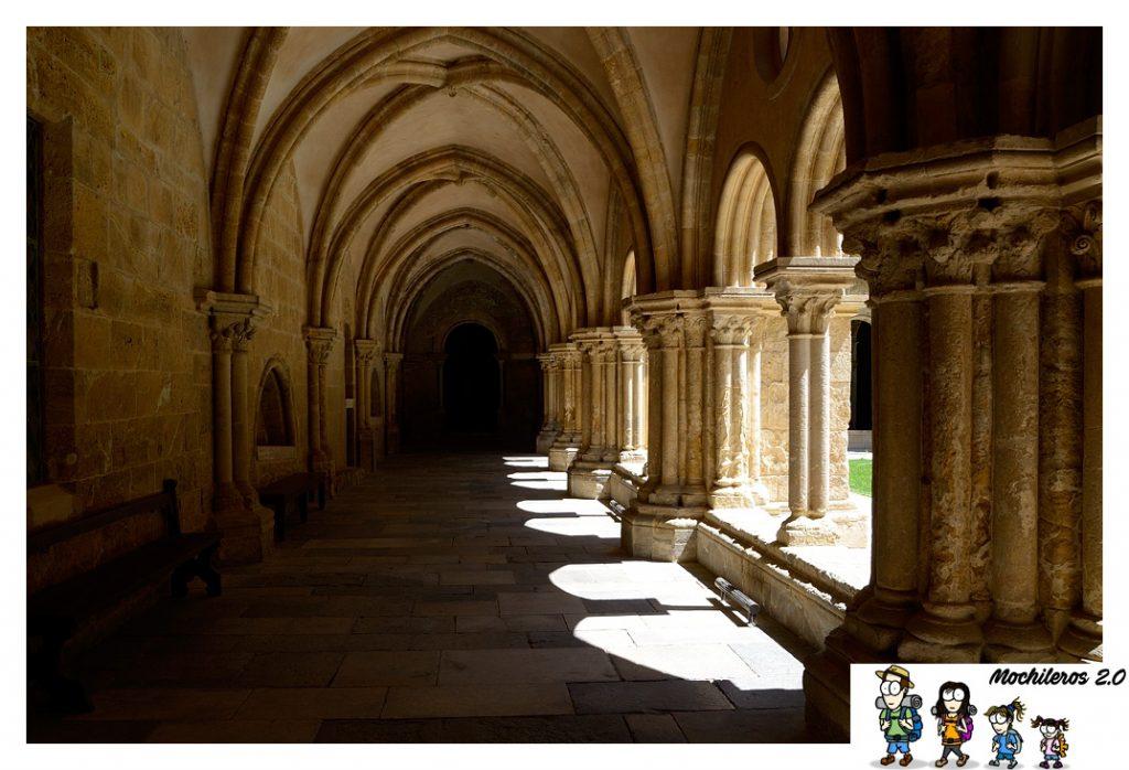 claustro catedral coimbra