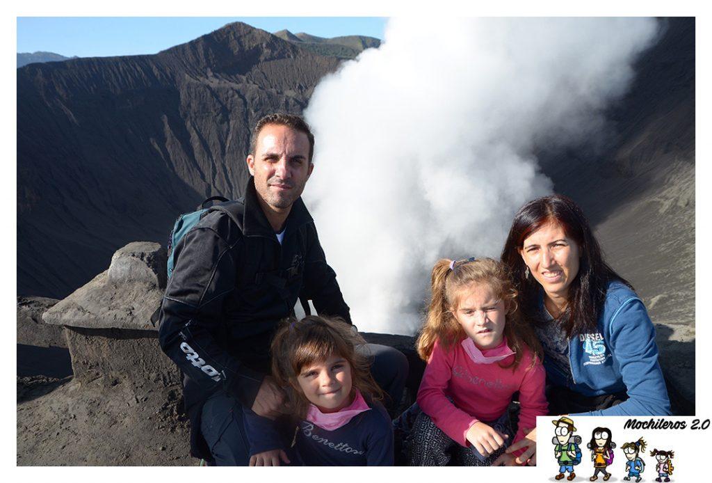 bromo emanaciones volcan