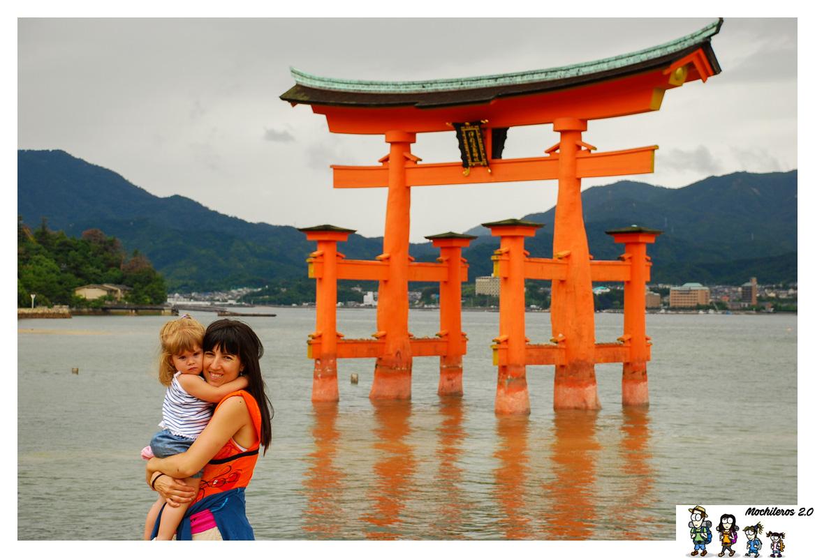 Un día en la isla de Miyajima, visitando su santuario sobre el agua