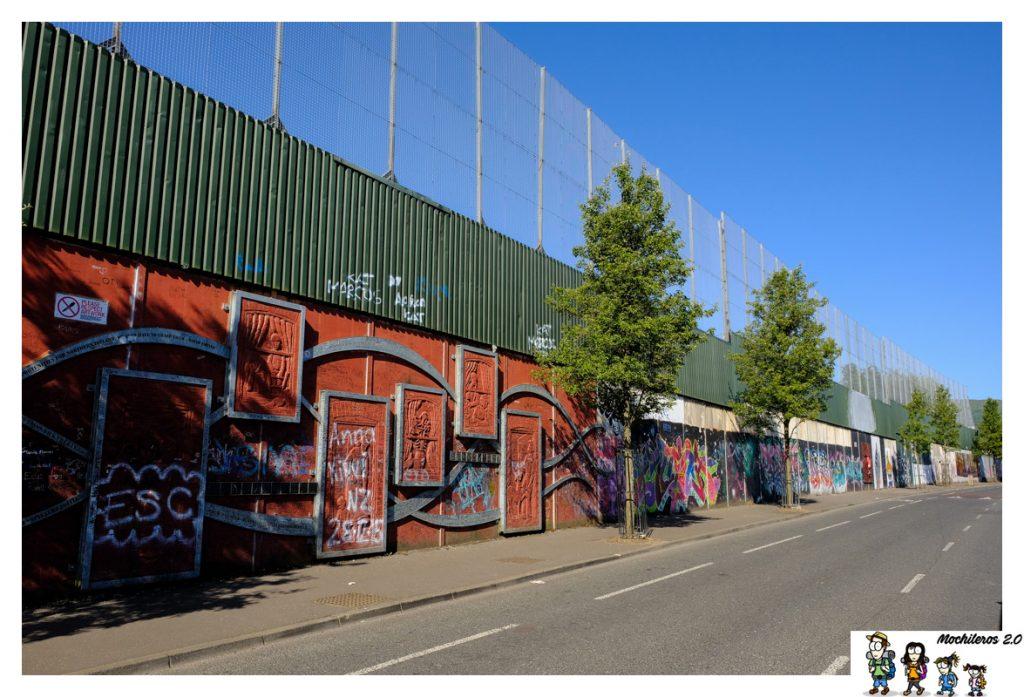 peace line mural