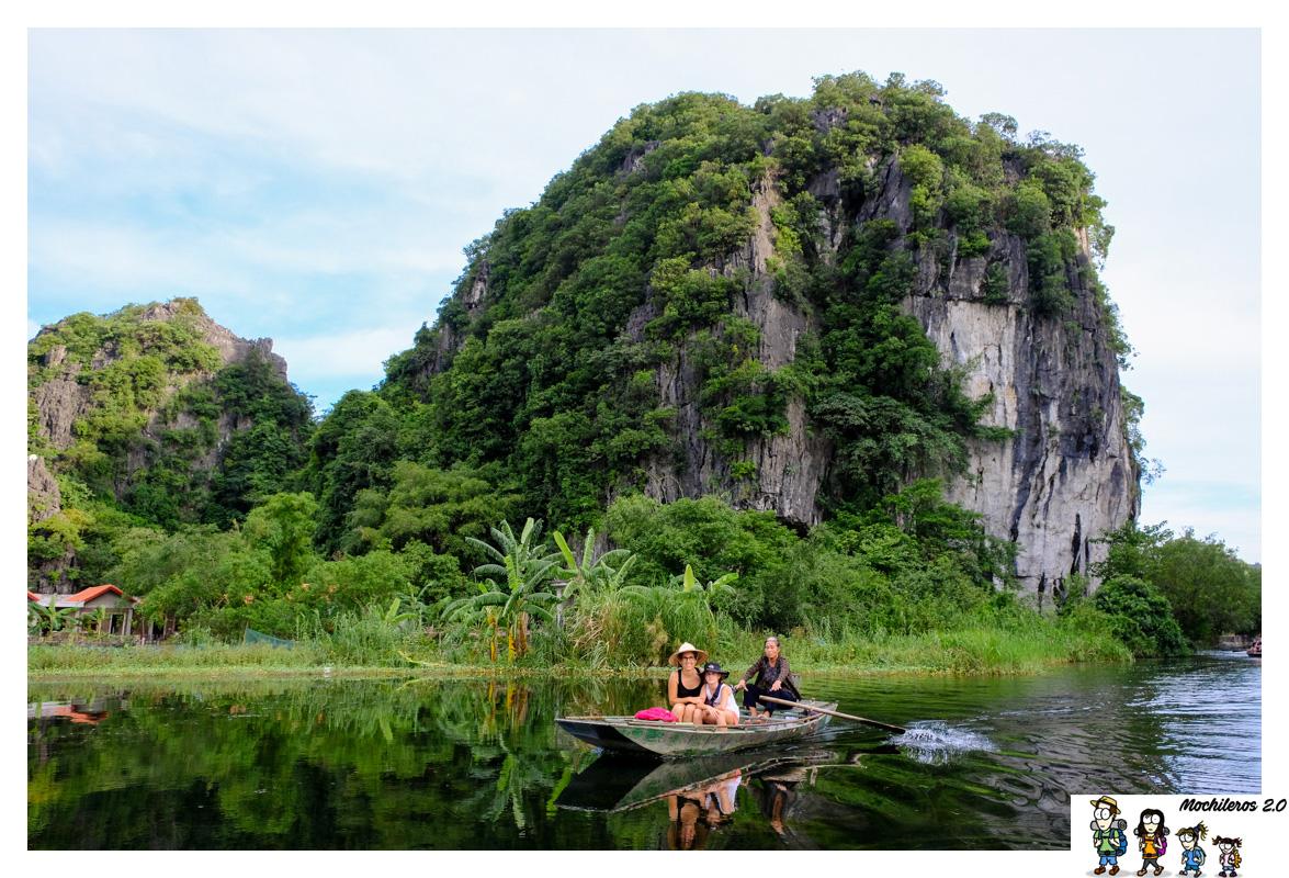 Tam Coc, montañas cársticas en la provincia de Ninh Binh, Vietnam
