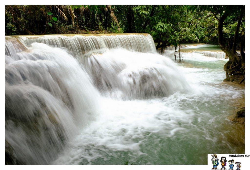 kuang si saltos agua