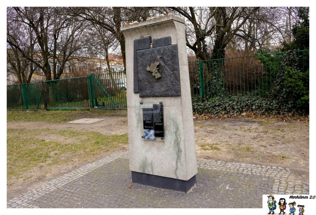 monumento fronteras gueto