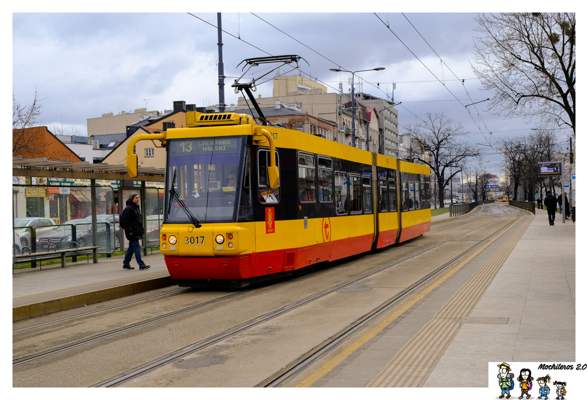 Tranvía, bus y metro en Varsovia
