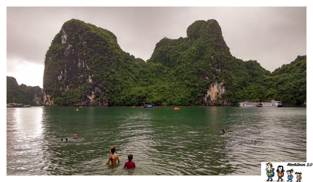 nadar en halong bay