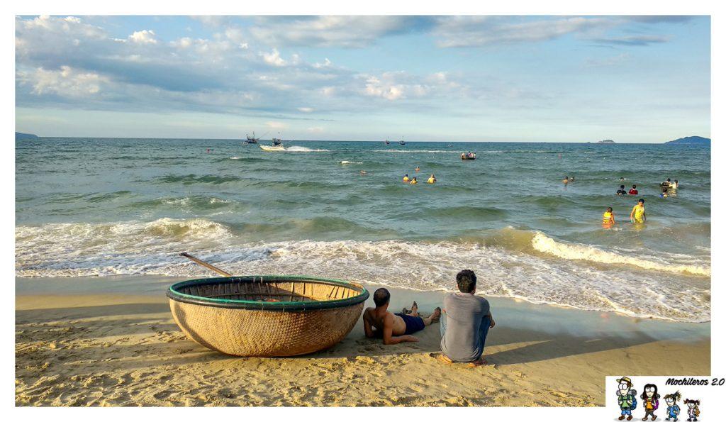 embarcacion pescadores hoi an