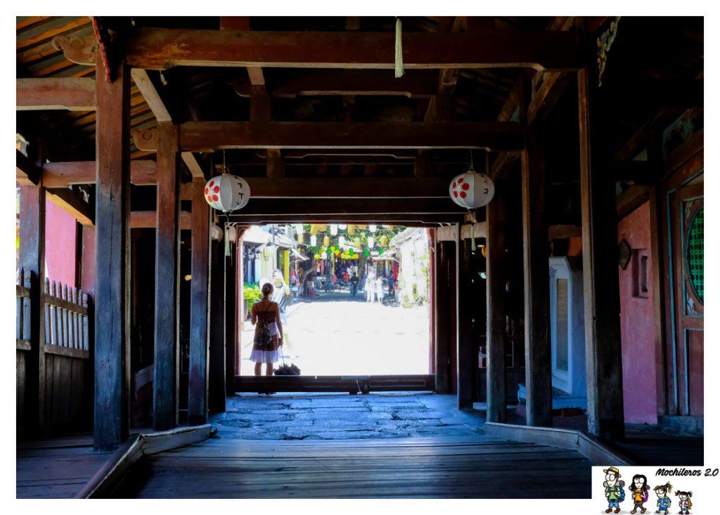 interior puente japones