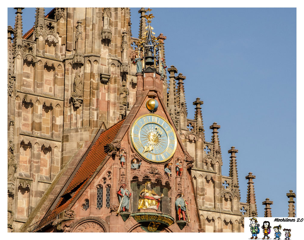 reloj frauenkirche nuremberg