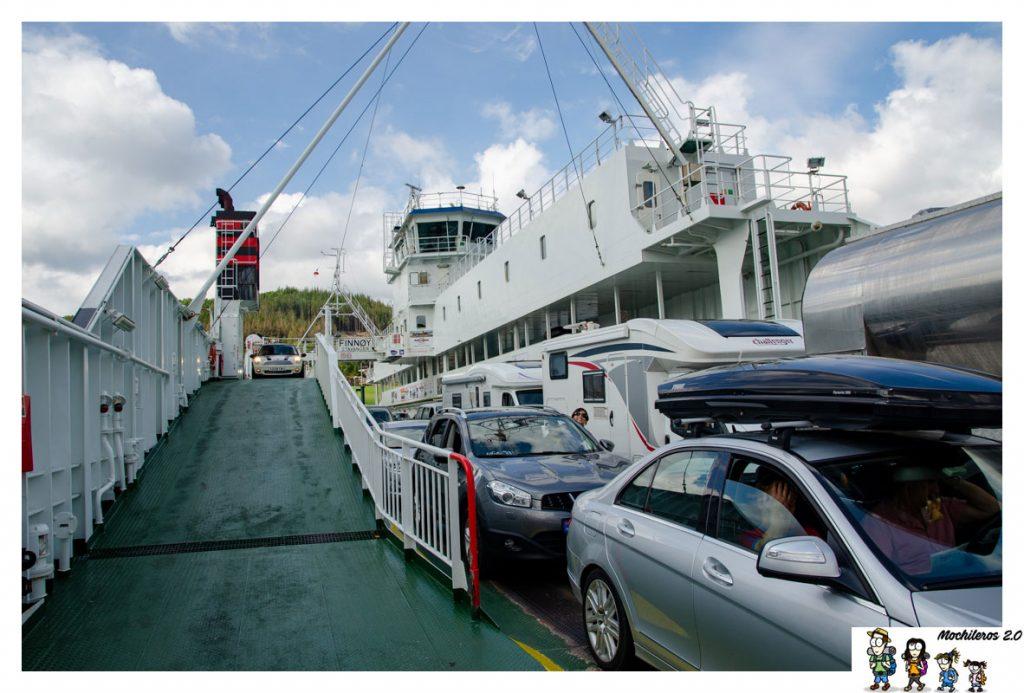 ferry stavanger tau