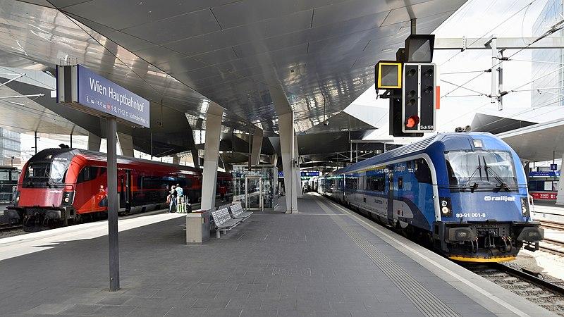 Cómo Ir O Llegar De Viena A Praga Tren Bus Coche Tour