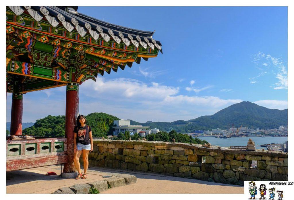 Desde el templo se ve todo Tongyeong