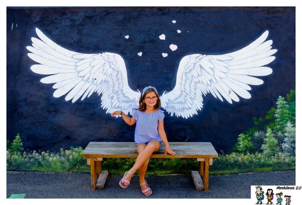 Street Art de alas de ángel