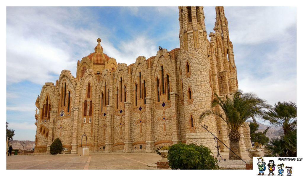 El edificio modernista del Santuario es de los más bonitos de la provincia