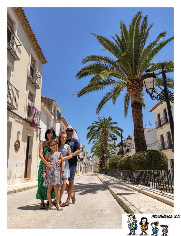 Una de las calles del centro histórico de Benissa