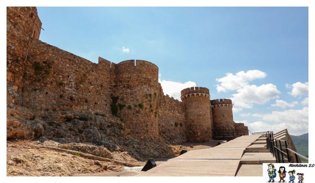 Acceso al Castillo de Onda