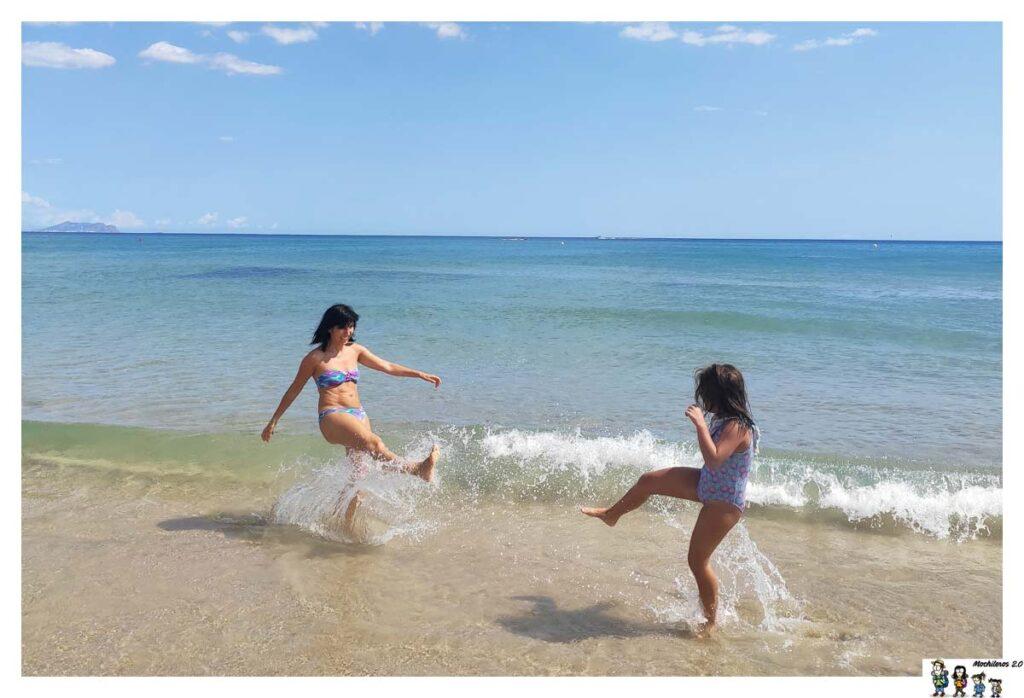 Jugando en la Playa de San Juan