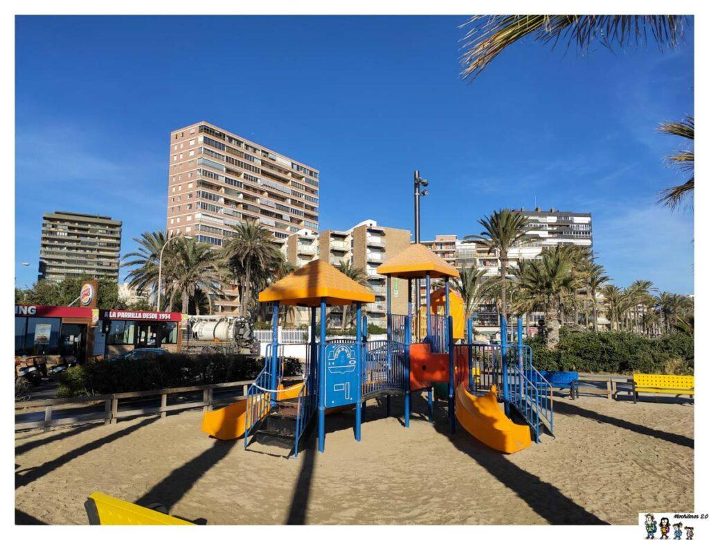 Zona infantil Playa San Juan