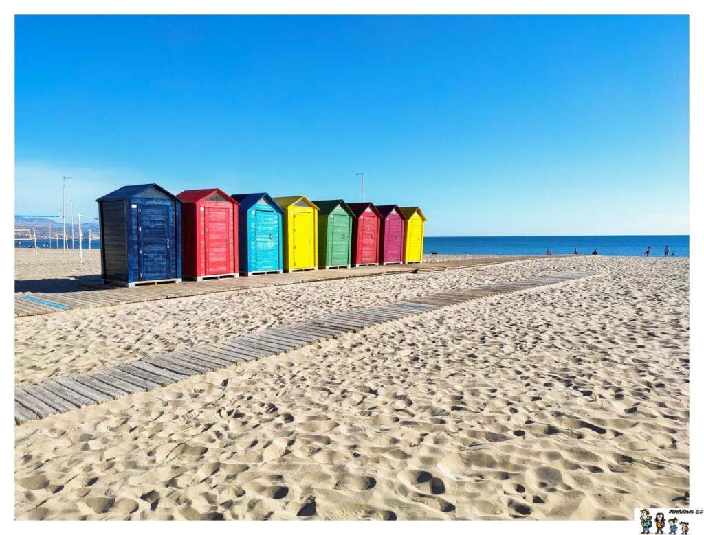 Casetas sobre la arena de la Playa San Juan, Alicante