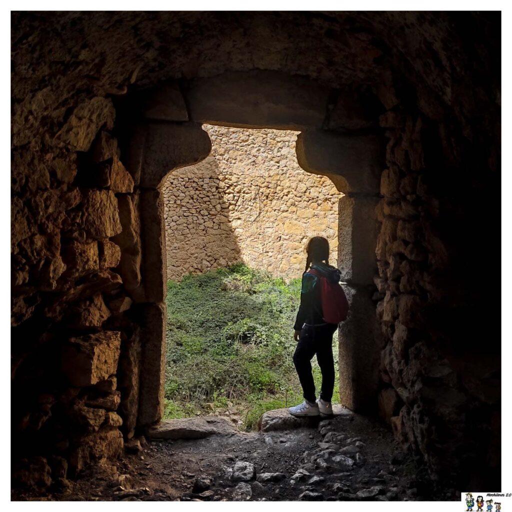 Puerta de acceso a la Cava Don Miguel
