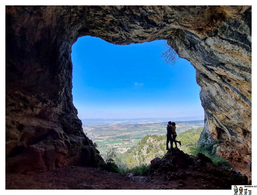 La Cova Bolumini en el Parque Natural de Sierra de Mariola
