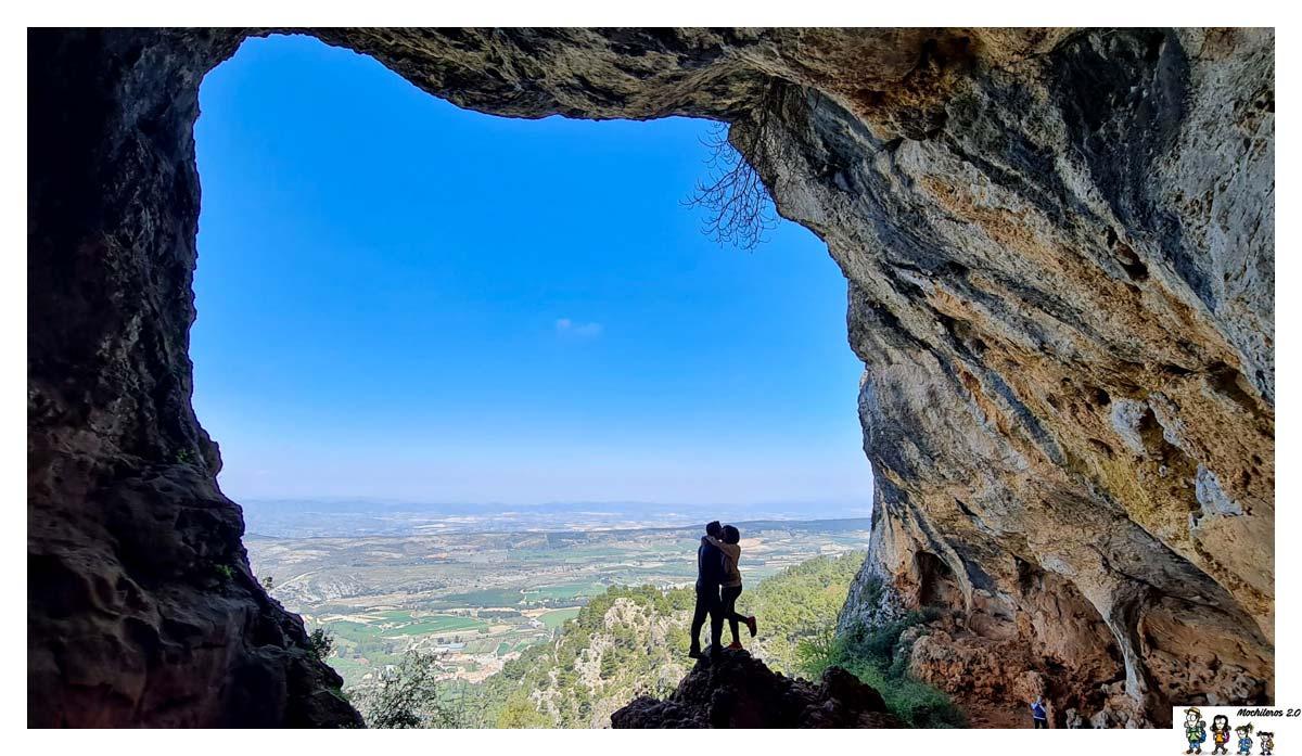 Cova Bolumini, Sierra de Mariola