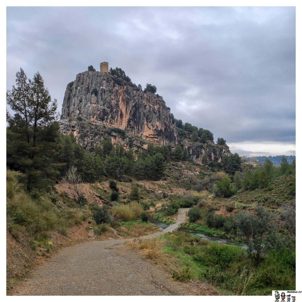 Montaña con la torre del Castillo
