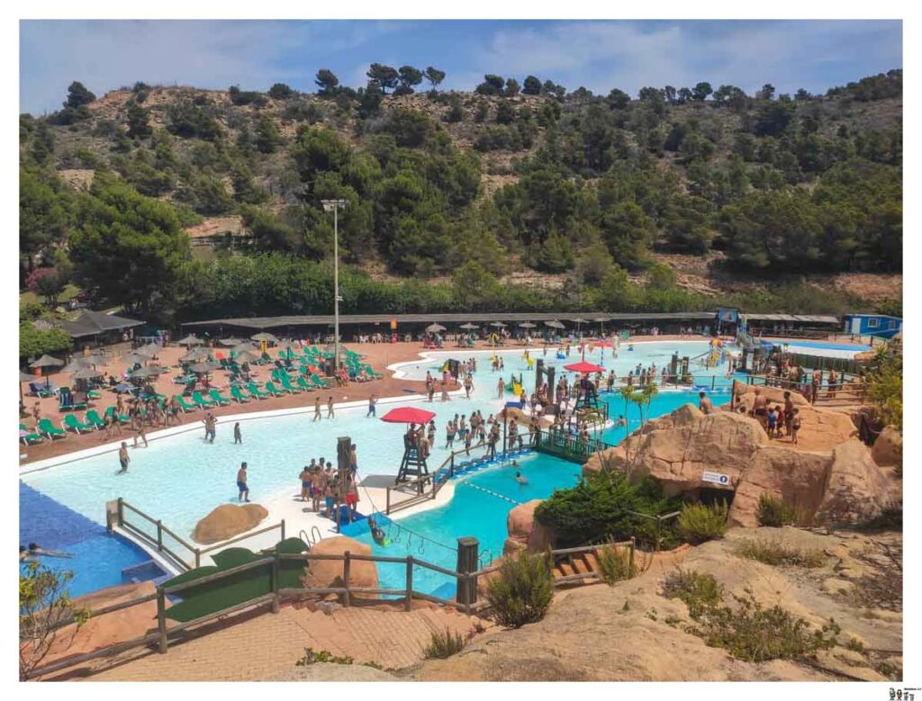 Zona de piscinas de Aqualandia