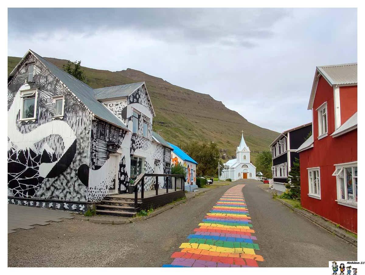 Calle principal de Seydisfjordur