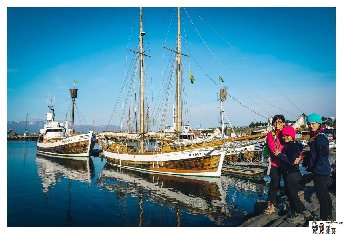 Nuestro barco para ver las ballenas