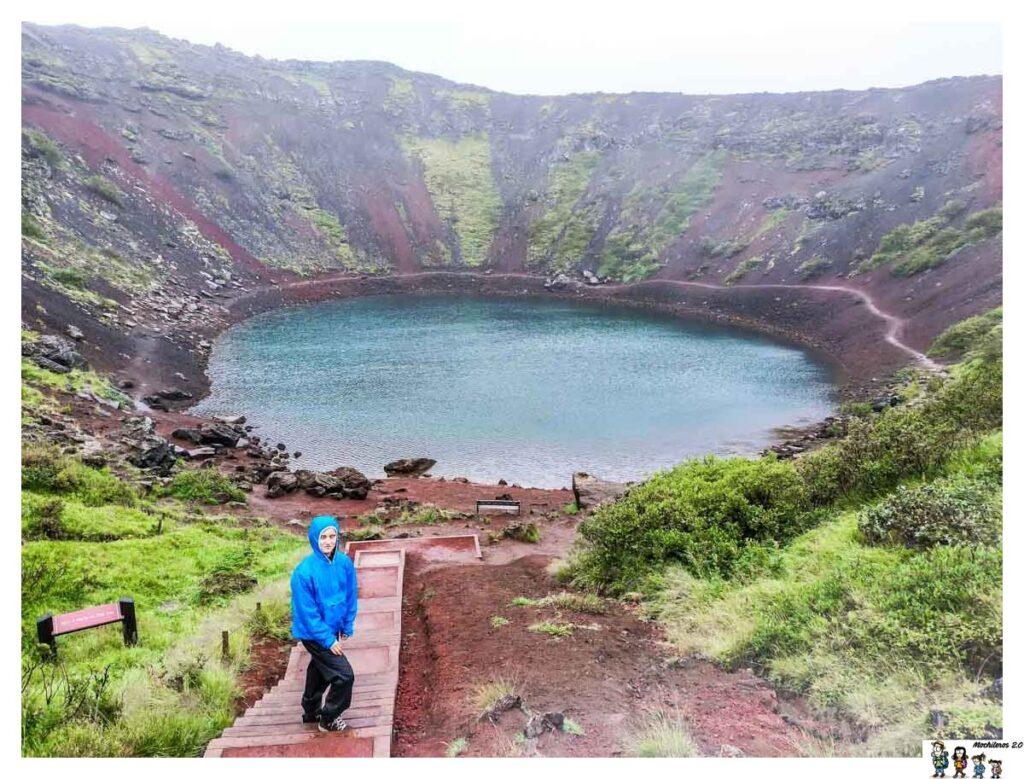 Escalera de bajada al cráter Kerid