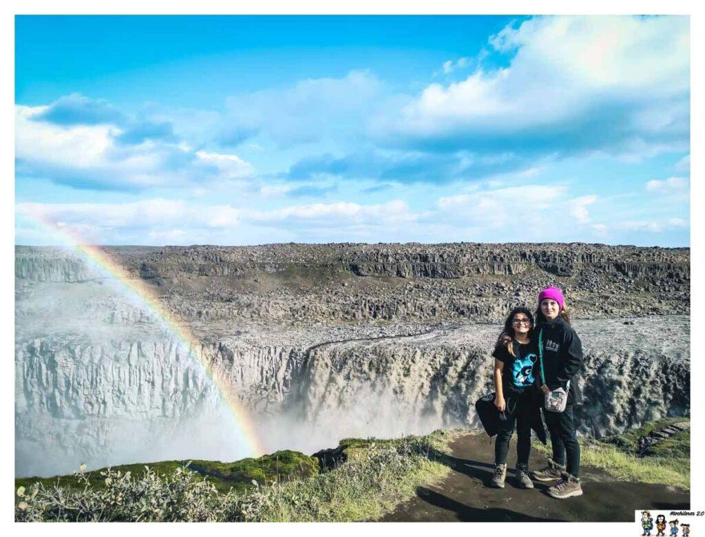 La Cascada Dettifoss nos recibió con un Arco Iris